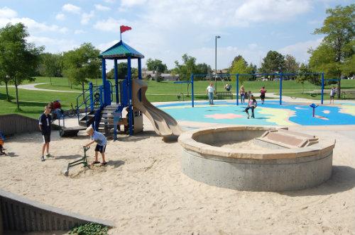 Kids play in Utah Park - Photo by Shane Anthony AuroraNews1.com