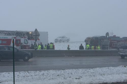 I70 and E470 Bus crash 2 AuroraNews1.com photo by Deleno Austin